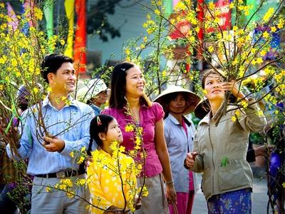 Chợ Tết mang lại cho trẻ những ký ức khó quên về Tết