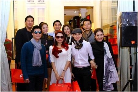 Xing Hongkong Cafe nhanh chóng trở thành điểm đến yêu thích của rất nhiều nghệ sỹ nổi tiếng