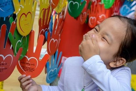 """Kỷ lục 7000 điều ước trên cây """"Bàn tay yêu thương"""""""