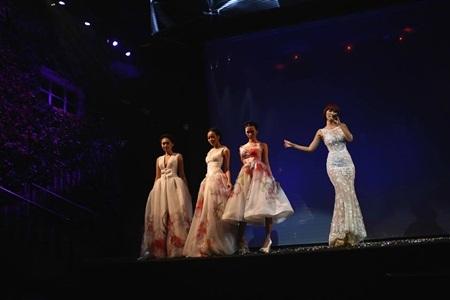 Tâm điểm của chương trình chính là nữ ca sĩ