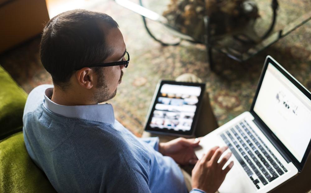 Tablet khó có thể thay thế laptop trong công việc. Nguồn: Internet