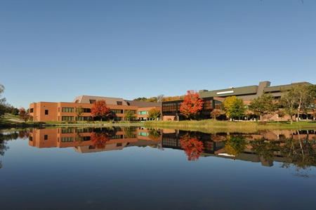 Khuôn viên trường Conestoga College- Canada