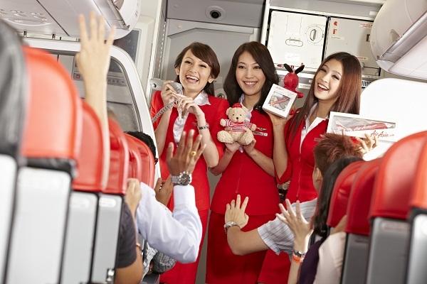 AirAsia liên tục được khách hàng tin tưởng bầu chọn là hãng hàng không giá rẻ tốt nhất