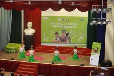 Hội thảo định hướng tương lai thu hút giới trẻ