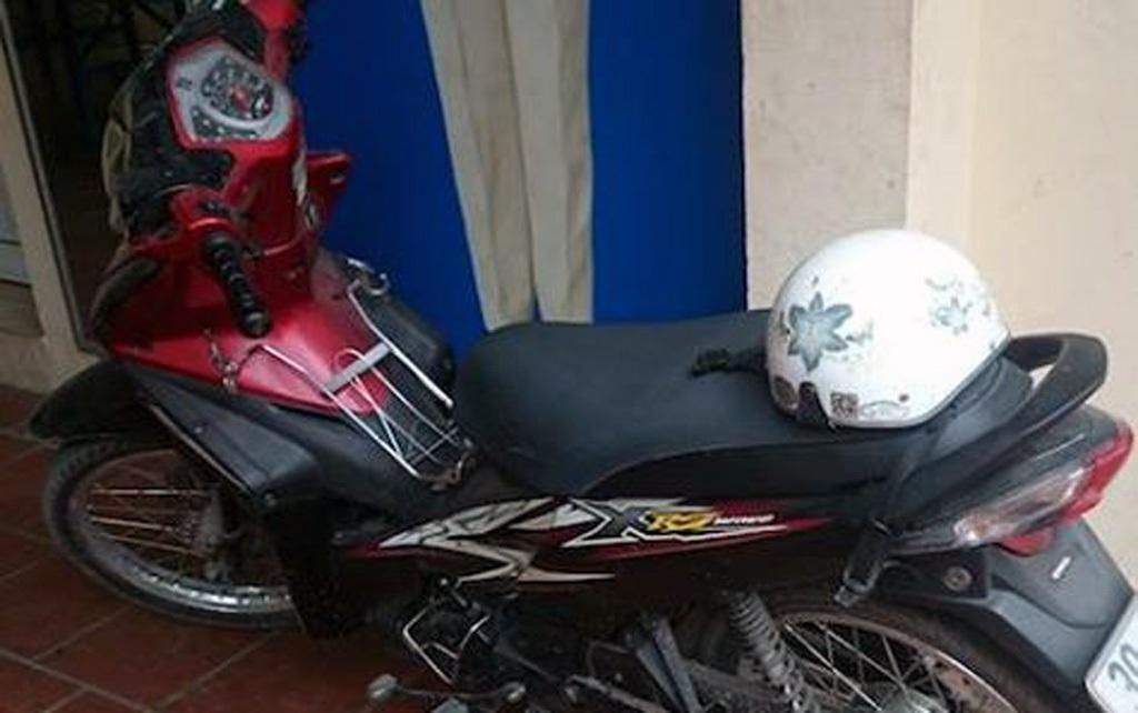 Chiếc xe máy của anh V. được bàn giao lại cho gia đình.
