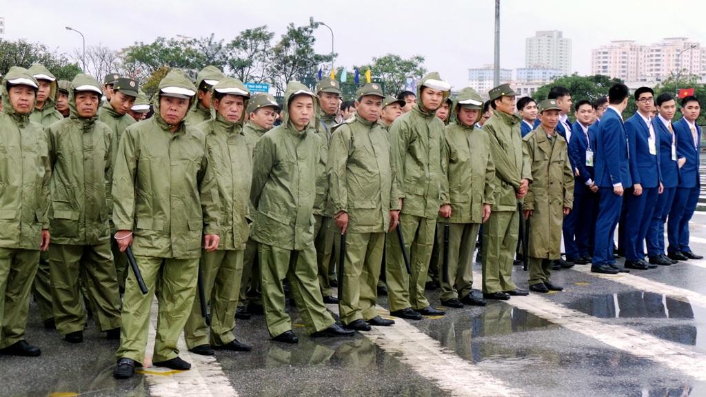 Lực lượng dân phòng, dân quân và các lực lượng khác.