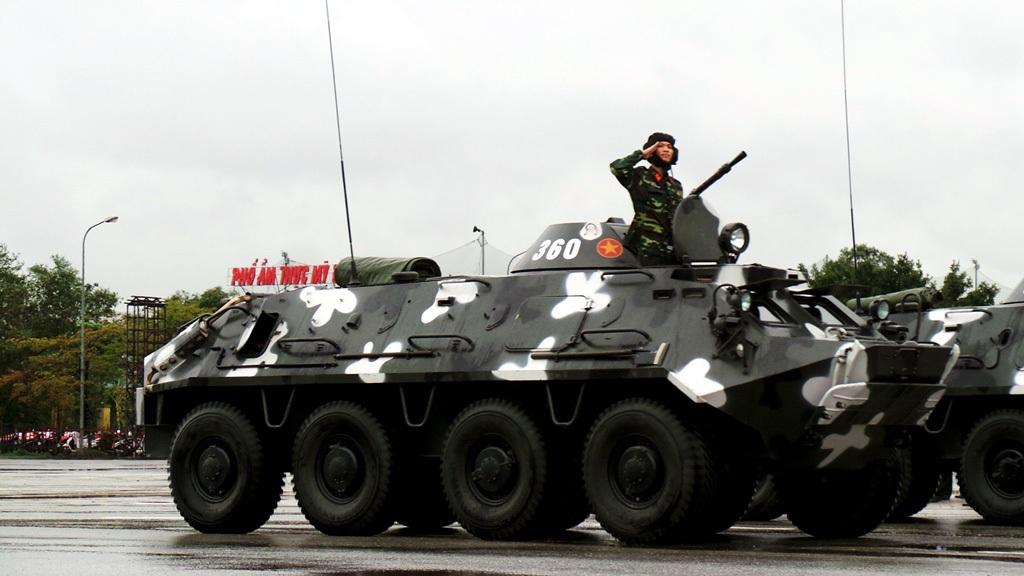 Xe Thiết giáp bộ binh bánh lốp của Bộ Tư lệnh thủ đô.