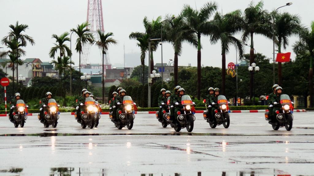 Xe mô tô kiểm soát quân sự của Bộ Tư lệnh thủ đô.