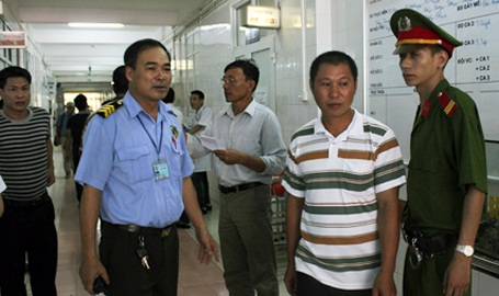 Công an Hà Nội lập các tổ công tác đảm bảo an ninh trật tự tại các bệnh viện.