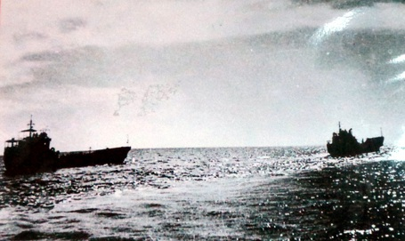 Tàu của Lữ đoàn 125 chở lực lượng đặc công giải phóng quần đảo Trường Sa.
