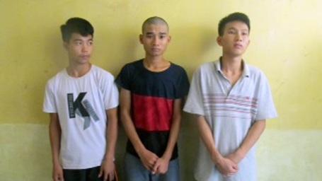 Ba trong 4 thanh niên bị bắt vì giao cấu với bé gái 15 tuổi.