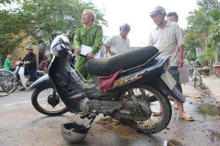 Công an TP Quảng Ngãi đang xác định nguyên nhân gây cháy chiếc xe máy trên đường Trần Quang Diệu