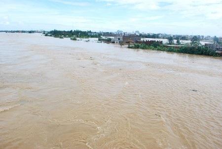 Dự báo, hôm nay 28/10 mực nước các sông từ Quảng Bình đến TT-Huế sẽ lên mức báo động 2