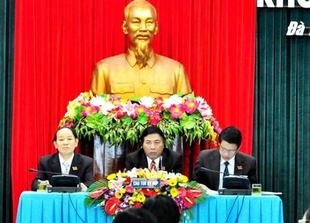 Ông Nguyễn Bá Thanh (giữa) - Chủ tịch HĐND TP Đà Nẵng - chủ trì buổi chất vấn