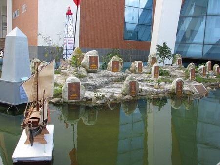 Một góc quần đảo Hoàng Sa được xây dựng tại Bảo tàng Đà Nẵng