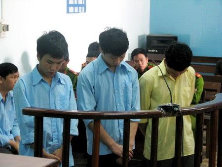 Kháng án bất thành, 3 đối tượng cướp của lĩnh 11 năm tù - 1