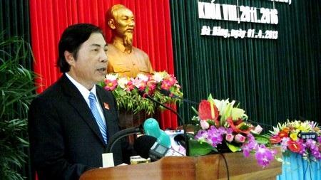 Ông Nguyễn Bá Thanh phát biểu với đại biểu sau khi chuyển giao chức vụ