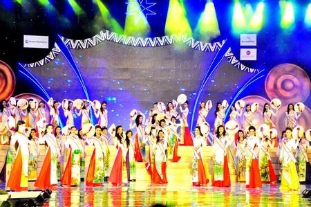 62 thí sinh trong đêm chung kết Hoa hậu các Dân tộc Việt Nam lần 3/2013