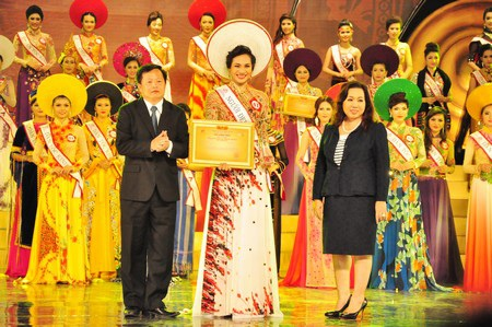 Thí sinh Nguyễn Thị Hồng Nhung (dân