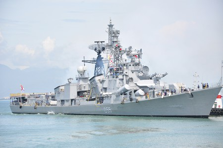 Tàu khu trục lớp Rajput INS Ranvijay (D55)