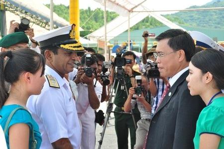 Lãnh đạo TP Đà Nẵng đón đoàn tại cảng Tiên Sa
