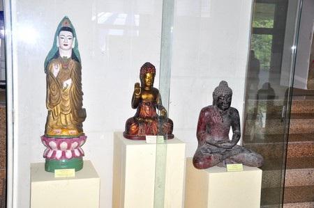 Các tượng Phật Quan âm từ thế kỷ 18-19