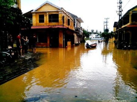 Mỗi khi có lũ, gần như toàn bộ khu phố cổ bị ngập