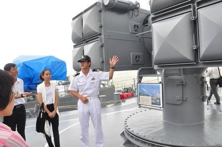 Hải quân Nhật Bản giới thiệu về thiết bị trên tàu
