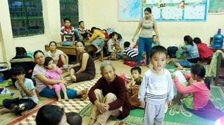Một điểm người dân được sơ tán đến trú bão tại quận Liên Chiểu, Đà Nẵng
