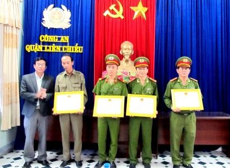 """Các lực lượng nhận """"thưởng nóng"""" của Công an TP Đà Nẵng"""