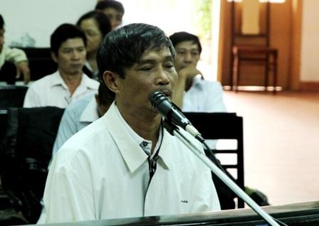 Bị cáo Trần Quang Hiền tại phiên tòa sáng 10/2