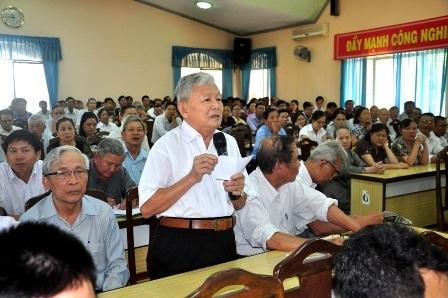 Cử tri quận Thanh Khê phản ảnh về việc phong tướng, tá nhiều hiện nay