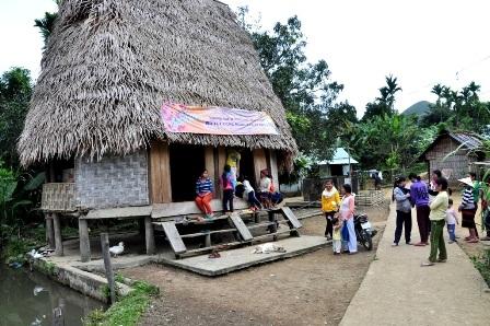 Người dân thôn Phú Mưa bất ngờ với thú lạ nghibò tót xuất hiện ở thôn