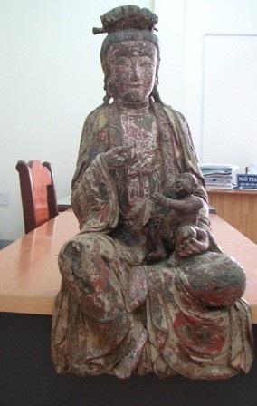 Tượng Phật Bà Quan Âm ở tư thế ngồi
