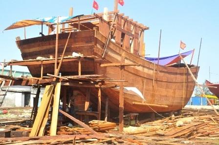 Tàu cá của ông Đồng Bình Dương đang gấp rút hoàn thành, dự kiến 1 tháng nữa sẽ hoàn thành
