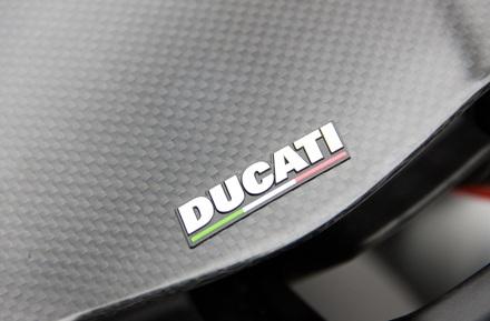Ducati Diavel Carbon có mặt tại Hà Nội - 7