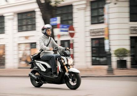 Honda Zoomer-X dài 1,8m, rộng 1,06m