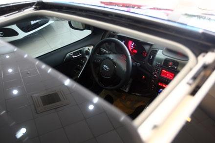 Cửa sổ trời - món đồ chơi đặc trưng của các hãng xe Hàn Quốc