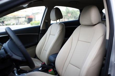 Hyundai i30 mới tại Việt Nam vẫn hỗ trợ nội thất da