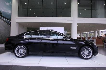 BMW 760i - Niềm tự hào của của BMW tại Việt Nam