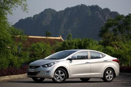Thông số kỹ thuật củaxe Hyundai Elantra tại Việt Nam: