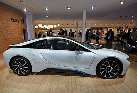 BMW i8 sẽ đến tay người dùng đầu năm sau
