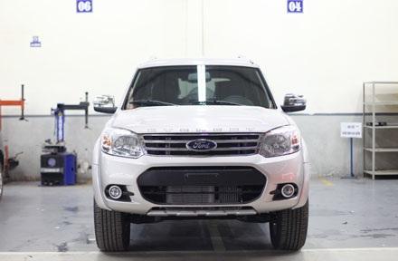 Ford Everest phiên bản mới tại Việt Nam
