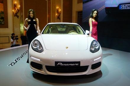 Bảng giá chi tiết các mẫu Panamera mới tại Việt Nam: