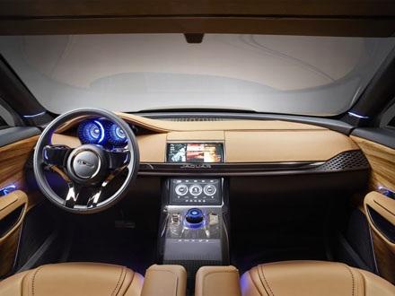 Jaguar C-X17 SUV Concept trong bộ cánh mới
