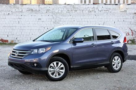Honda CR-V 2012: 303.904 chiếc, sử dụng động cơ 2,4 lít 4 xy lanh,