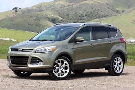 Ford Escape 2013: 295.995 chiếc, sử dụng động cơ 2,0 lít turbo 4 xy lanh,