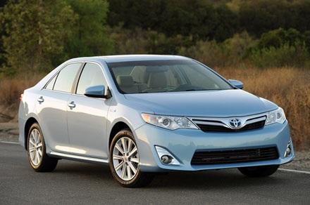 Toyota Camry Hybrid 2013: 408.484 chiếc, sử dụng động cơ 2,5 lít 4 xy lanh,