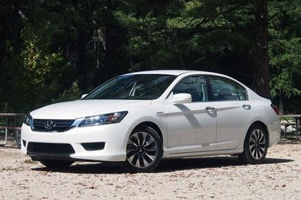 Honda Accord Hybrid 2014: 366.678 chiếc, sử dụng động cơ 2,0 lít 4 xy lanh,