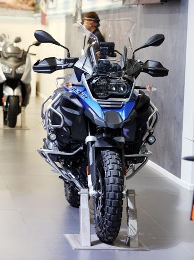 BMW R1200GS Adventure – Ước mơ của những kẻ thích phiêu lưu